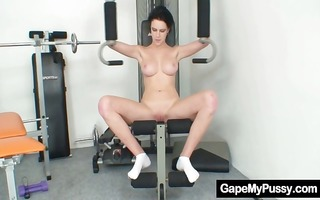 breasty hottie rita pervy slit gaping in the gym