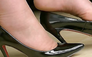 dark high heels 4
