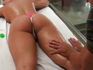 Flexible babe shows big enthusiasm