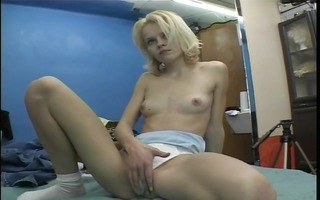 blond beauty disrobes and models - julia reaves