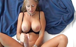 magnetic golden-haired milf with big muffins