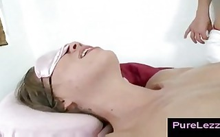 lesbo fur pie licking after oily massage