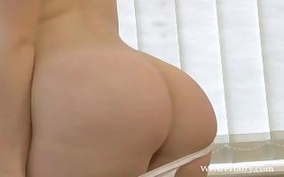 cute breasty dark brown fawna latrisch rubs and