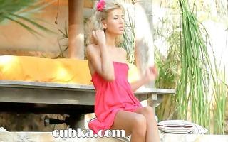 stephanie blonde deep fingering muff